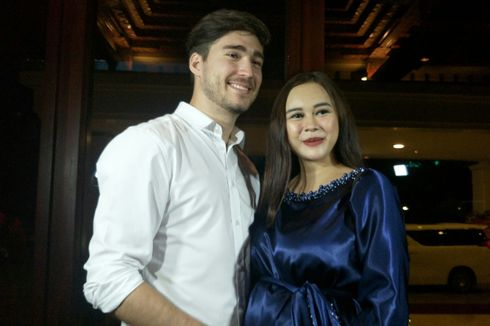 Cerita Aura Kasih tentang Pengalaman Berumah Tangga dengan Eryck Amaral