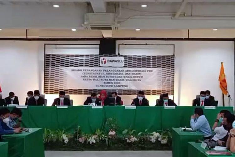 Capture foto dari video sidang putusan dugaan pelanggaran administrasi TSM Bawaslu Lampung, Rabu (6/1/2021).