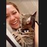 Alasan Kucing Suka Menjilati Pemiliknya