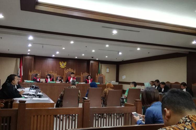 Sidang pemeriksaan saksi untuk terdakwa mantan anggota Komisi II DPR Markus Nari di Pengadilan Tipikor, Jakarta, Senin (14/10/2019).