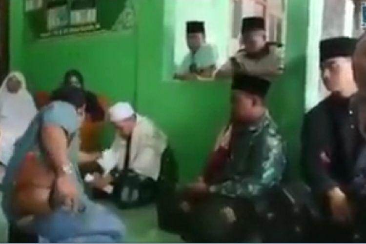 Video viral wali murid datang ke pesantren dan memarahi guru.
