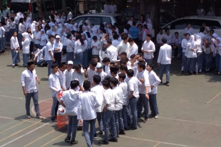 Pelajar SMAN 46 Jakarta menggelar demo di sekolahnya pada Jumat (28/9/2018) kemarin.