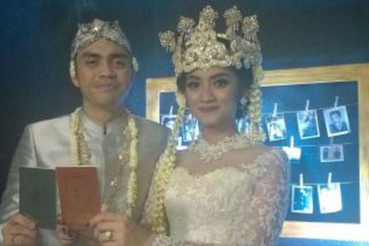 Artis peran Ayudia Chaerani Bing Slamet menikah dengan pemusik Muhammad Pradhana Budiarto di Dela Rossa Function Hall, Jalan Kemang Selatan Raya, Jakarta Selatan.