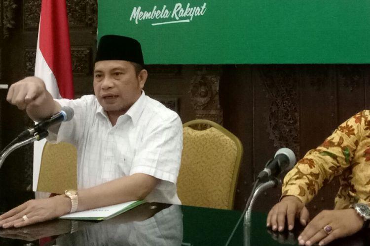 Ketua Lembaga Pemenangan Pemilu PKB Marwan Jafar (kiri) saat menggelar konferensi pers di DPP PKB