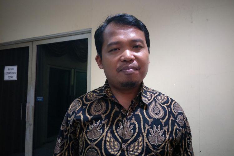 Ketua Komisi Perlindungan Anak Indonesia (KPAI) Susanto hari ini, Kamis (24/5/2018) dipanggil ke Polda Metro Jaya untuk dimintai pertimbangannya sebagai saksi kasus penghinaan Presiden Joko Widodo (Jokowi) yang dilakukan oleh RJ alias S (16) melalui sebuah video yang kemudian menjadi viral di media sosial.