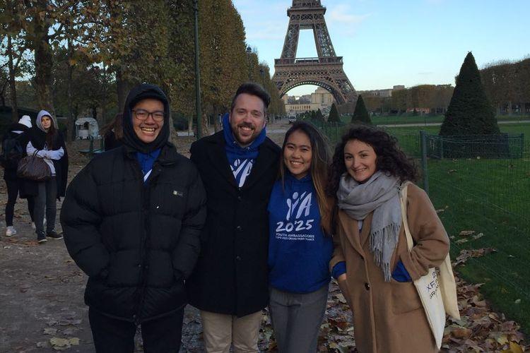 Para ambassador diajak mengunjungi tempat-tempat bersejarah seperti Menara Eiffel.