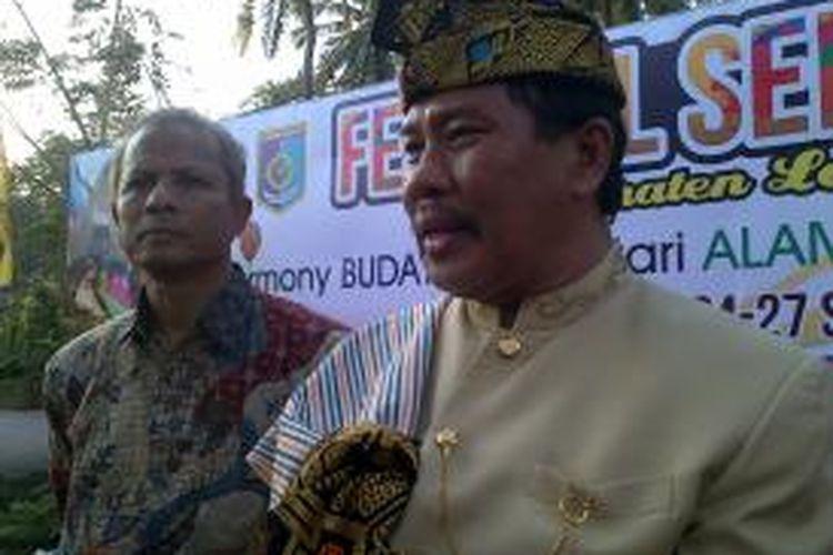 Bupati Lombok Barat Zaini Aroni saat hadir di Festival Senggigi, Nusa Tenggara Barat, Rabu (24/9/2014).