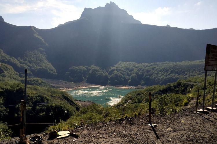 Penampakan kawah Gunung Kelud pada Agustus 2021.