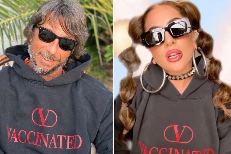 Pierpaolo Piccioli dan Lady Gaga dalam sweater Valentino