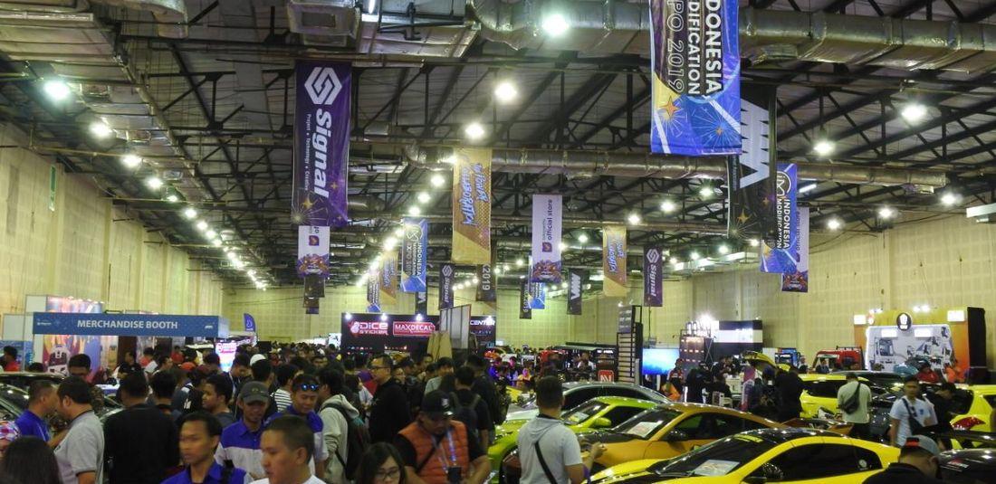 Ilustrasi pameran otomotif IMX
