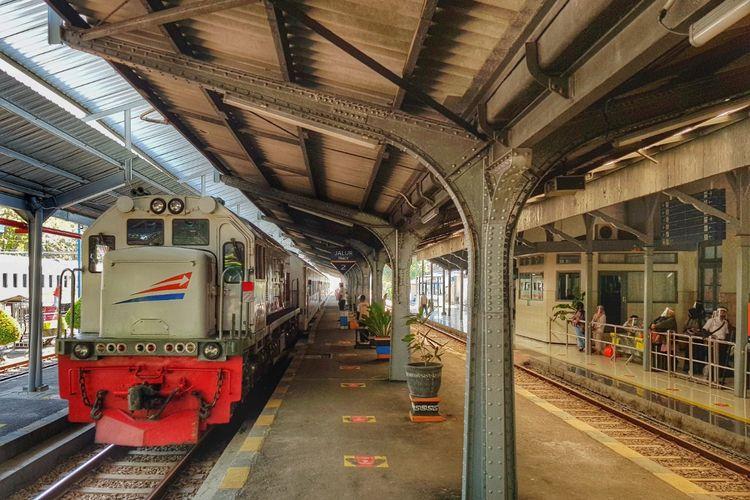PT KAI Daerah Operasional 9 Jember kembai mengoperasikan kereta api Pandanwangi, penumpang tak perlu rapid test