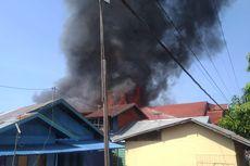 Akibat Kompor Meledak, 22 Rumah di Permukiman Padat Ludes Terbakar