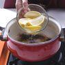 Cara Membersihkan Panci Gosong Pakai Lemon