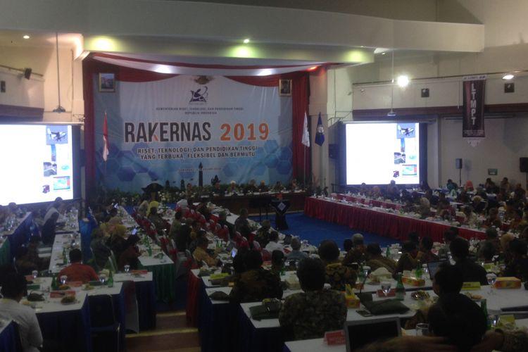 Suasana diskusi panel Rakernas Kemenristekdikti 2019 di Semarang, Jumat (4/1/2019).