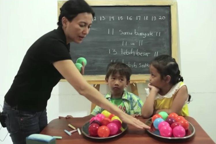 Tangkapan layar Belajar dari Rumah TVRI 23 Juli 2020 SD Kelas 1-3 tentang Bilangan Dua Angka.