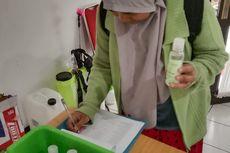 SMKN 13 Bandung Bagikan Hand Sanitizer Gratis Hasil Produksinya
