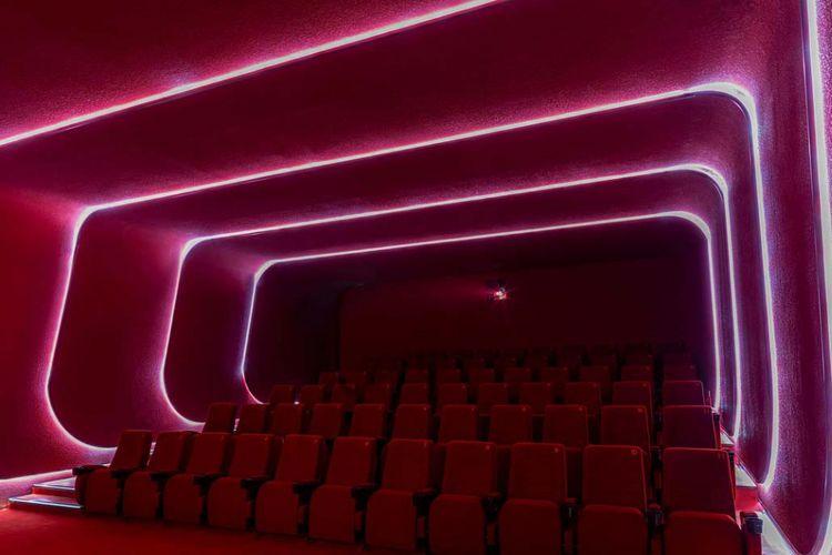 Desain futuristik bioskop SKP
