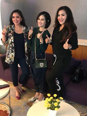 Panitia dan founder Irresistibel Bazaar dalam konferensi pers di Jakarta (26/1).