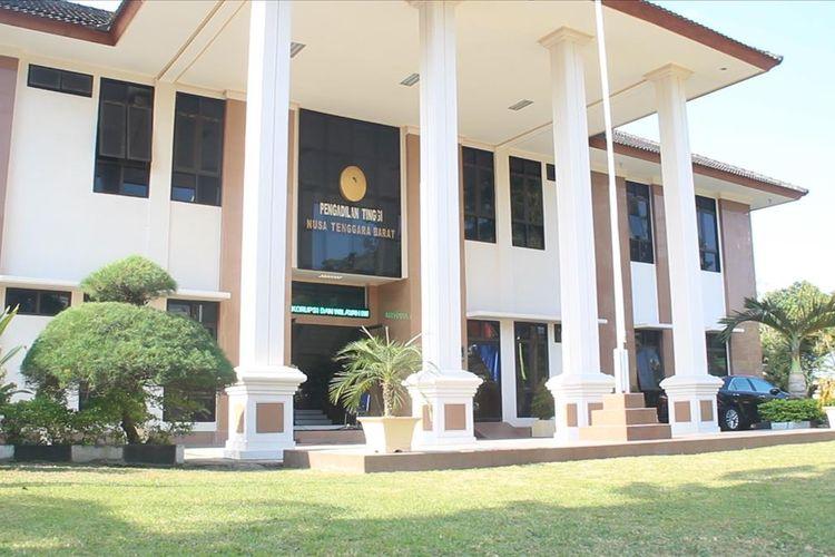 Pengadilan Tinggi Mataram, telah mengabulkan Banding Dorfin Felix, sehingga hujuman mati turun menjadi hukuman 19 tahun penjara.