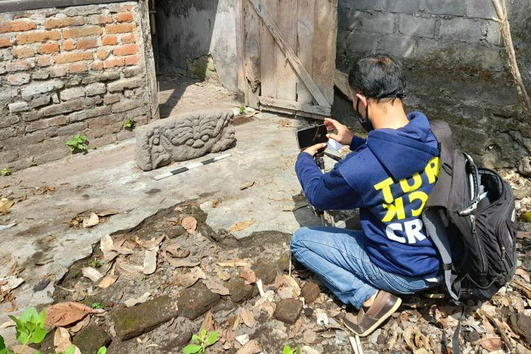 Arca kepala Kala yang ditemukan di Klanderan, Kecamatan Plosoklaten, Kabupaten Kediri, Jawa Timur.
