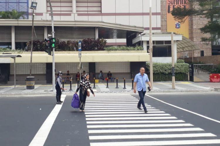 Pelican Crossing di Jalan M.H Thamrin, Jakarta Pusat, Senin (30/07/2018).