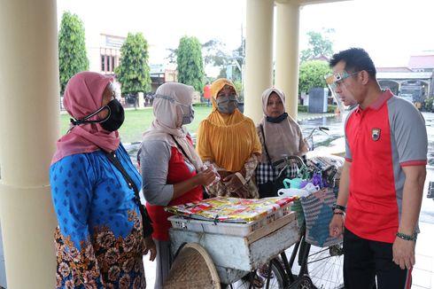 Kapolres Kebumen Borong Dagangan Pedagang yang Patuh Protokol Kesehatan