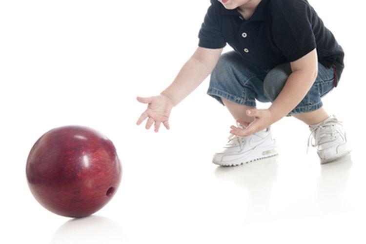 Ilustrasi bola bergerak menggelinding