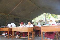 Semringahnya Siswa SD Cianjur Dapat Tenda untuk Belajar: Sekarang Ada Atapnya