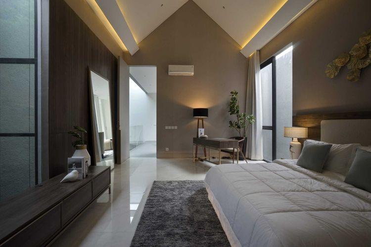 Langit-langit kamar tidur yang lebih tinggi karya Simple Projects Architecture