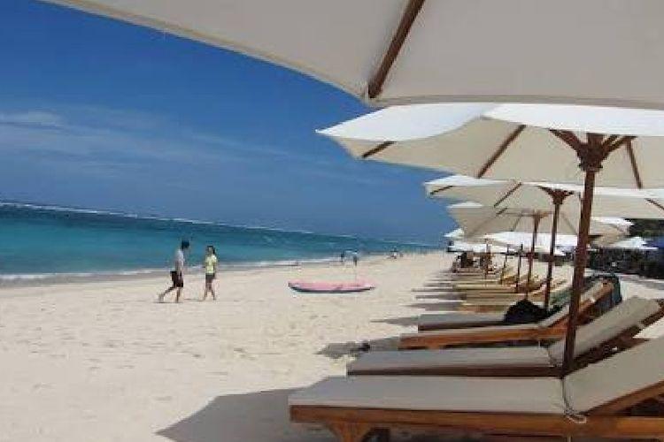 Kawasan Pantai Pandawa, Bali. Kondotel di kawasan pantai memiliki karakteristik tingkat hunian hotel selalu tinggi.