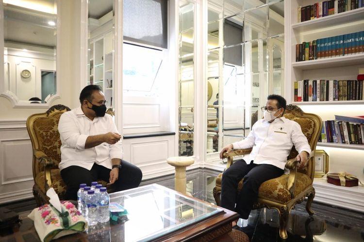 Ketua DPP Partai Kebangkitan Bangsa Yaqut Cholil Qoumas bertemu dengan Ketua Umum PKB Muhaimin Iskandar di Kantor DPP PKB, Jakarta, Senin (19/4/2021).