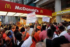 Ribuan Pekerja Restoran Cepat Saji AS Berunjuk Rasa