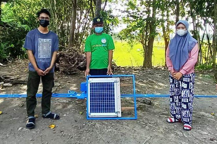 Alat buatan mahasiswa Universitas Negeri Yogyakarta (UNY) sebagai pengusir hama burung.