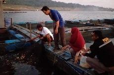 Puluhan Ton Ikan Mati Mendadak di Waduk Wadaslintang Wonosobo