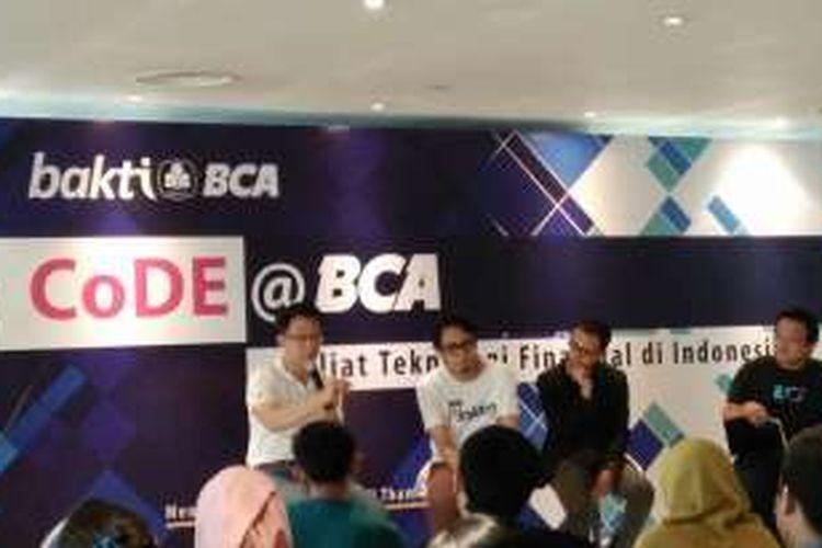 Acara Bakti BCA bekerja sama dengan Code Margonda di Menara BCA, Jakarta, Rabu (28/9/2016).
