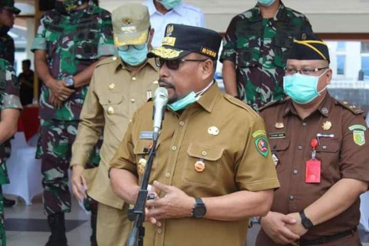 Gubernur Murad Ismail saat memberikan sambutan dalam acara penyemprotan disinfektan di Kota Ambon,  Selasa (31/3/2020).