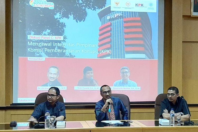 Mantan Ketua KPK, Abraham Samad saat menjadi pembicara dalam diskusi dengan tema Mengawal Integritas Pimpinan Komisi Pemberantasan Korupsi di Fakultas Hukum UGM, Selasa (10/09/2019)