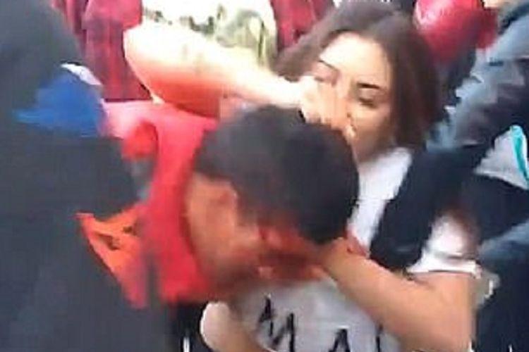 Brisa, seorang petarung MMA berusia 20 tahun di Argentina menghajar pencuri yang mencuri ponselnya habis-habisan hingga berdarah.