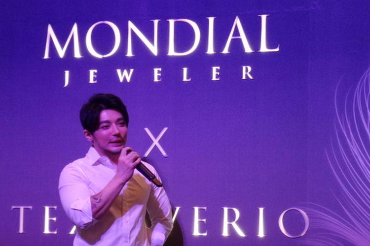Tex Saverio pada peluncuran The Elemental, koleksi kolaborasinya bersama Mondial Jeweler.