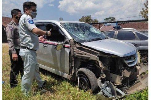 [POPULER NUSANTARA] Polisi Tabrak Pengendara Motor hingga Tewas   Anak Kambing Berwajah Menyeramkan