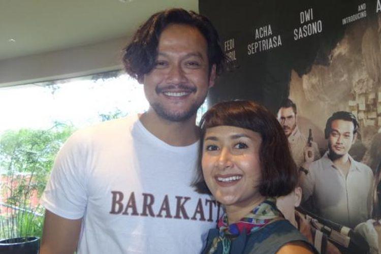 Dwi Sasono bersama istrinya, Widi Mulia, usai jumpa pers film Barakati di Epicentrum Walk XXI, Jakarta Selatan, Sabtu (5/11/2016).