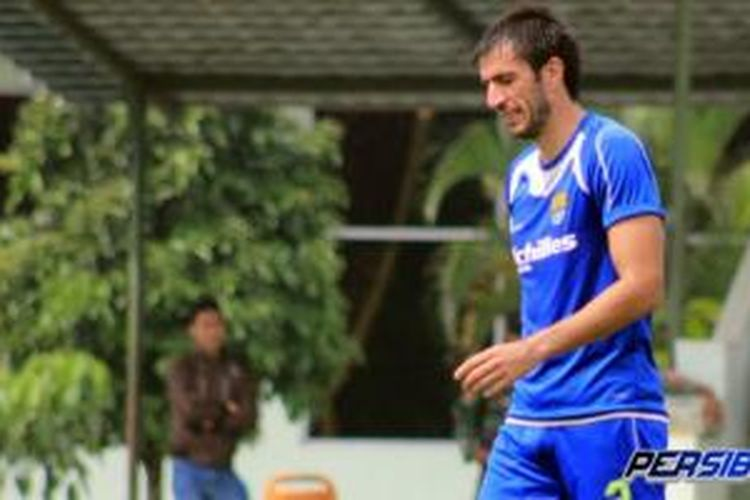 Bek Persib Bandung, Vladimir Vujovic.