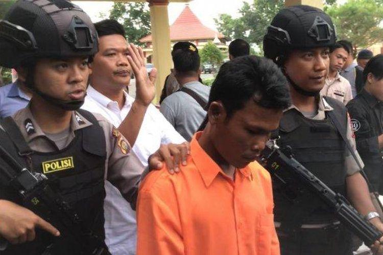 Berawal dari Uang yang Ada Bercak Darahnya, Polisi Ungkap Kasus Pembunuhan Ibu & Anak di Muarojambi. Sumber: Tribunjambi.com/Samsul Bahri