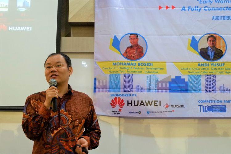 Zhangyizun (Director Delivery & Service Department, Huawei Indonesia) dalam salah satu sesi TechDay 2019 yang digelar Huawei Indonesia dan BSSN di 3 universitas; UI, ITB dan Telkom Bandung.