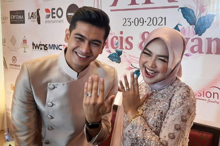 Ria Ricis dan Teuku Ryan baru saja menggelar acara lamarannya di Hotel JW Marriott, Kamis (23/9/2021).