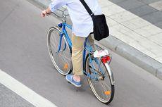 Dengan Pisau Menancap di Kepala, Pria Ini Bersepeda ke Rumah Sakit