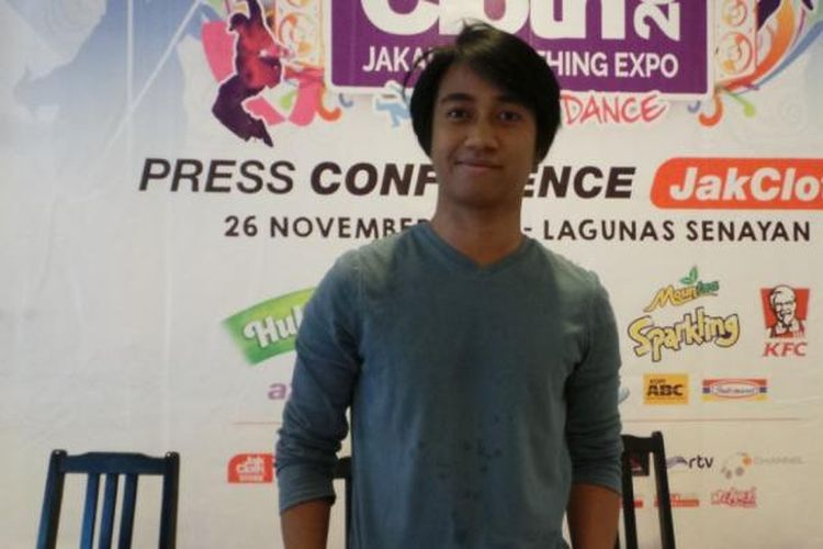 Personel band Killing Me Inside, Josaphat, usai jumpa pers JakCloth Year End Sale 2014, di Laguna Resto, Senayan, Jakarta, Rabu (26/11/2014).