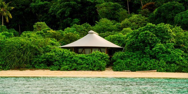 Tent Villa dari resor Pulau Bawah di Kabupaten Kepulauan Anambas.