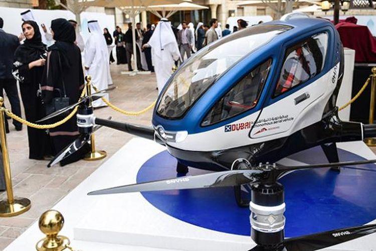 Drone penumpang EHang 184 di World Government Summit.
