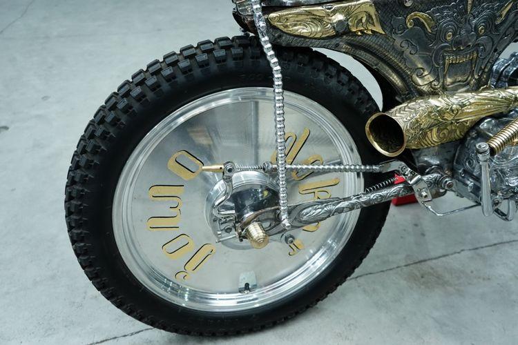 Motor custom bergaya choppy cub garapan KJNR Custom.